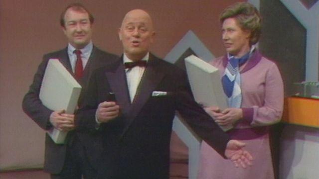 Georges Hardy présentant la dernière émission d'A vos lettres en 1980. [RTS]