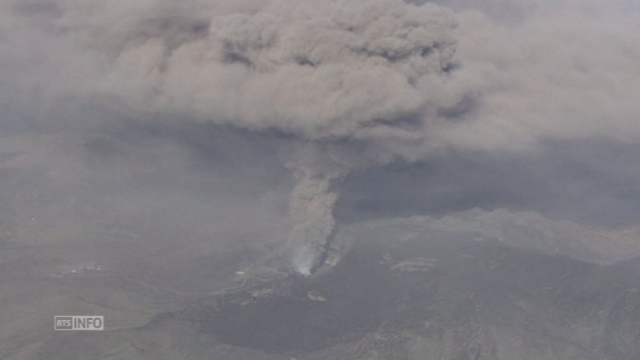 Soudaine éruption d'un volcan au Japon