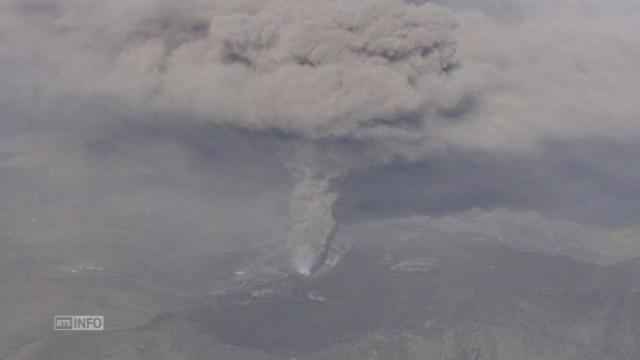 Soudaine éruption d'un volcan au Japon [RTS]