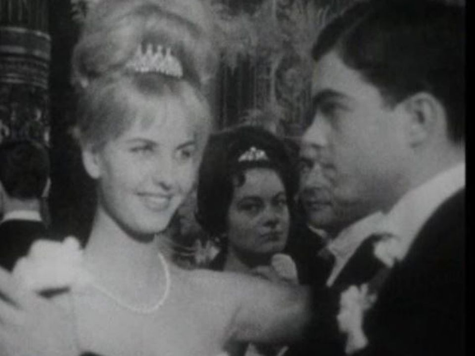 Le bal des débutantes, 1962. [RTS]