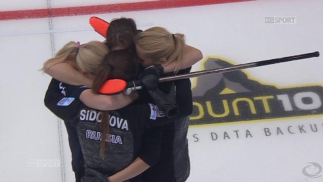 demi-finale dames Russie-Danemark (9-4): victoire des Russes qui rejoignent l'équipe de Suisse pour la finale 15h23-15h29 environ [RTS]