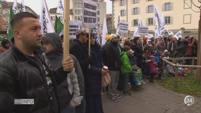 FR: des manifestants dénoncent l'islamophobie [RTS]