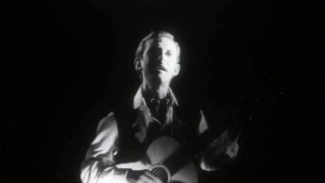 Est-ce Woody Guthrie, une des figures du mouvement folk?