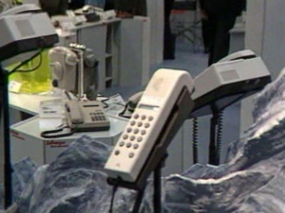 Avancées fulgurantes dès la fin des années 80 pour la téléphonie. [RTS]