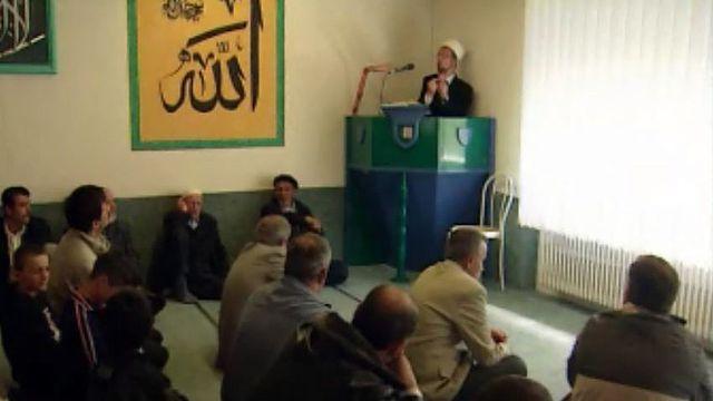Enquête sur de possibles réseaux islamistes en Suisse.