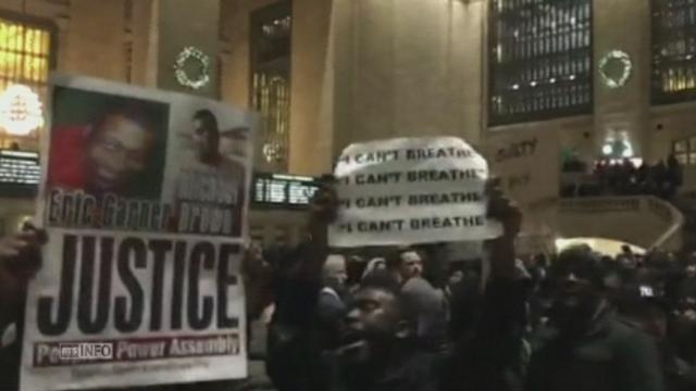 Manifestations à New York après la non-inculpation d'un policier [RTS]