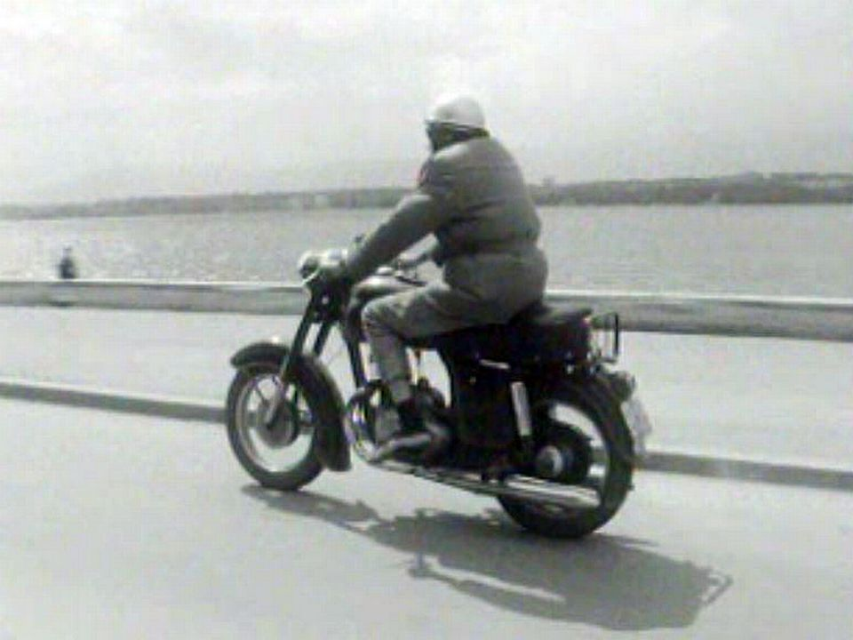 Conduire une moto, ce n'est pas conduire un vélo!