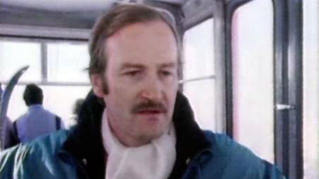 """Jacques Deschenaux, Monsieur """"fans de ski"""" à Crans-Montana. [RTS]"""