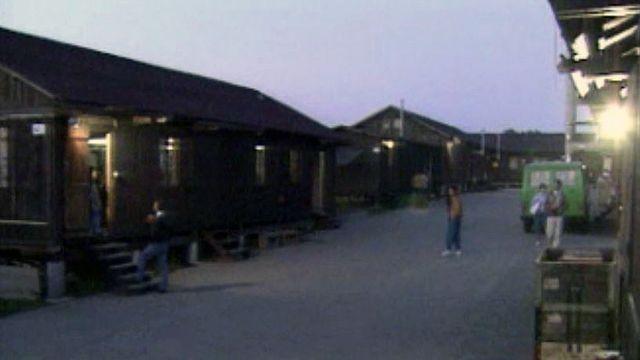 La vie dans un centre, au bord de l'aéroport de Cointrin.
