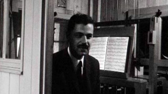 Grâce à un clavier, le carillonneur peut interpréter sa musique.