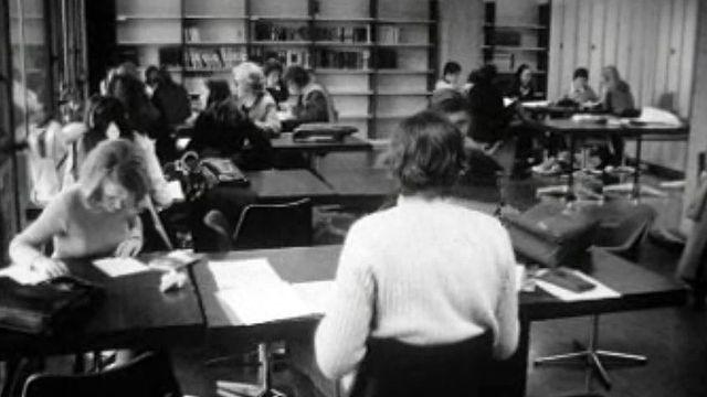 L'utilisation et l'avenir des bibliothèques scolaires en 1971.