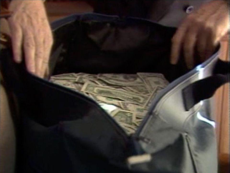 L'argent d'un réseau mafieux transitait dans les coffres helvétiques. [RTS]