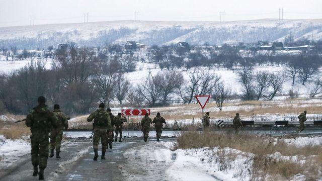 Des rebelles prorusses dans la région de Donetsk. [Maxim Shemetov - Reuters]