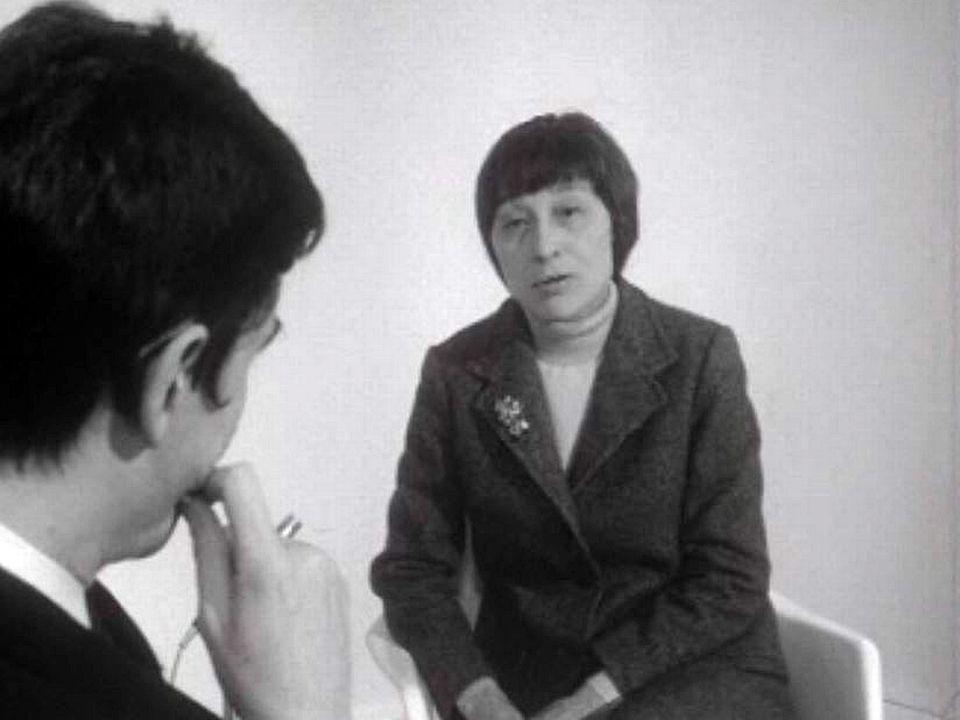 L'écrivain Han Suyin defend la Révolution culturelle de Mao.