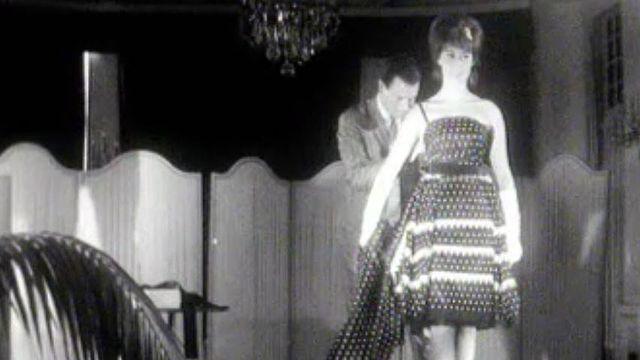 Mode 1962, prédominance des robes sous le genou.