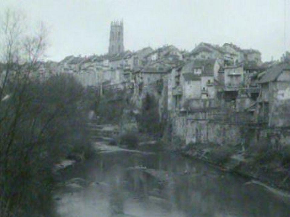 A la fin des années 60, Fribourg connaît de grands changements. [RTS]