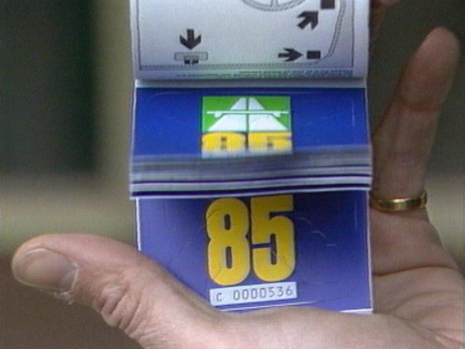 1985: année de lancement de la vignette autoroutière. [RTS]