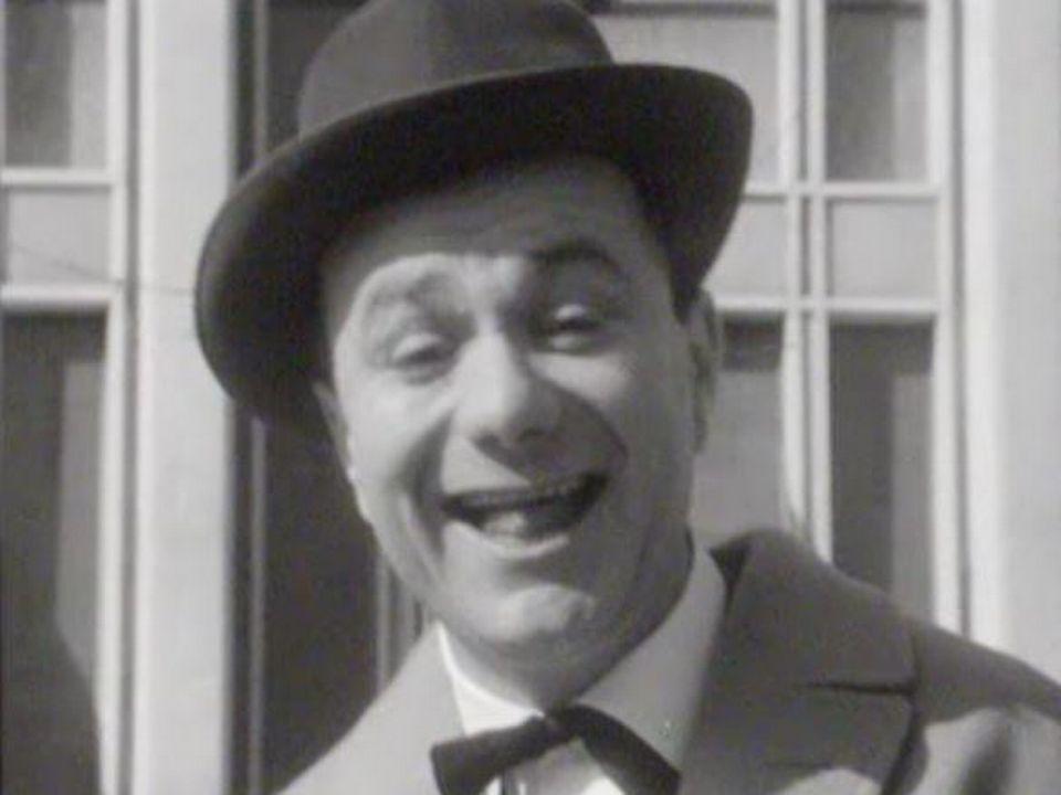 L'humoriste français Fernand Raynaud présente la météo en 1965. [RTS]