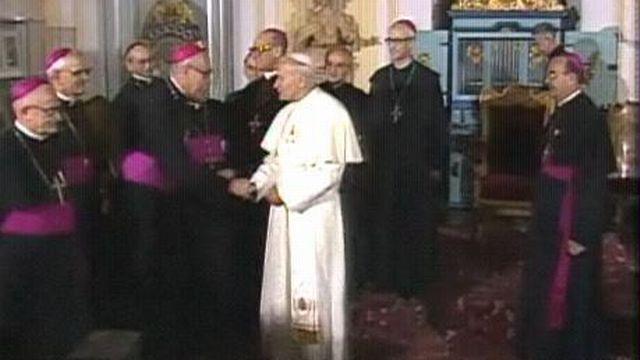 Le pape Jean-Paul II à Einsiedeln. [RTS]