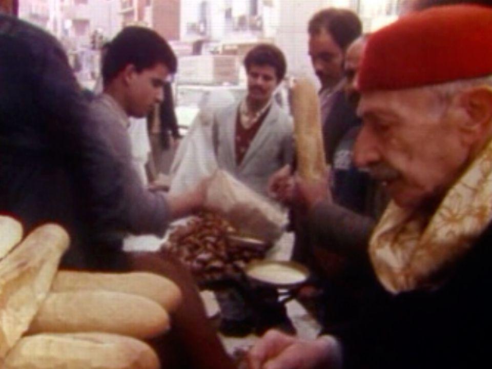 En 1984, la Tunisie est  lézardée par une profonde fracture sociale. [RTS]