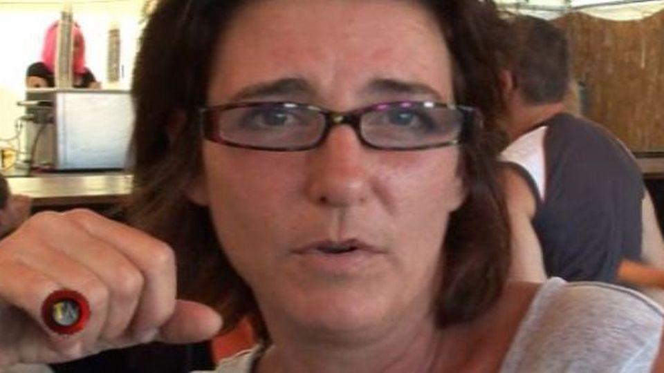Claude Inga-Barbey dans le sketch de tante Jacqueline en 2008. [RTS]