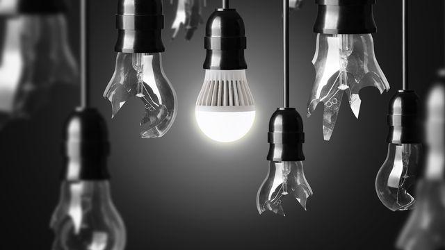 Les ampoules LED consomment deux fois moins d'énergie qu'une ampoule traditionelle. [chones - Fotolia]