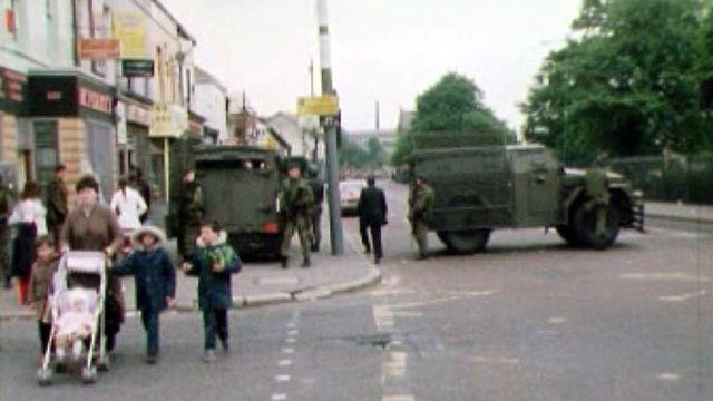 Belfast, une violence au quotidien entre catholiques et protestants.