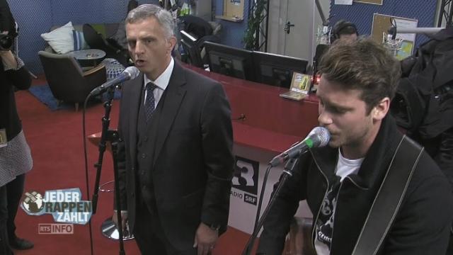 Le duo spontané Didier Burkhalter-Bastian Baker. [RTS]
