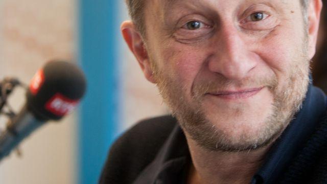Benoît Poelvoorde dans le studio de la RTS. [Jérôme Genet - RTS]