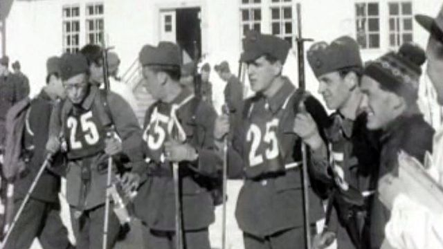 Une course d'endurance des patrouilles militaires à ski.