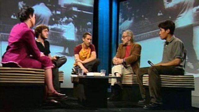 Jean-Luc Godard face aux élèves de l'Ecole d'art de Lausanne.