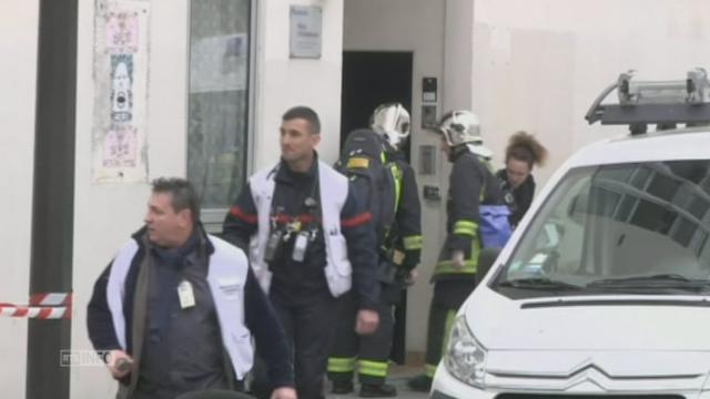 Premières images après la fusillade à Charlie Hebdo [RTS]
