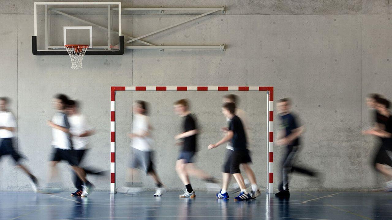 Harmos a bouleversé la formation des profs qui vont enseigner l'éducation physique. [Martin Ruetschi - Keystone]