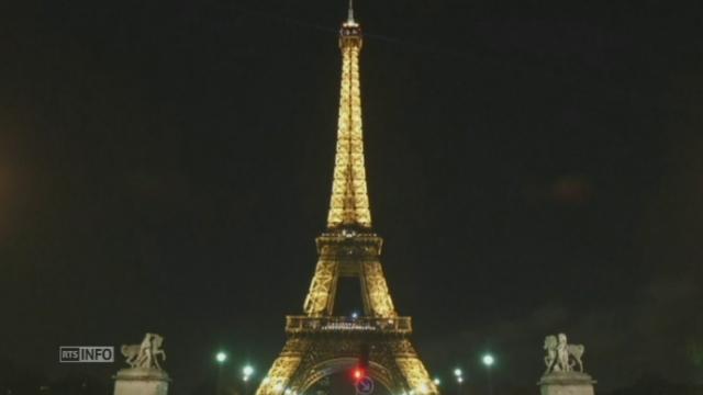 Extinction de la Tour Eiffel [RTS]