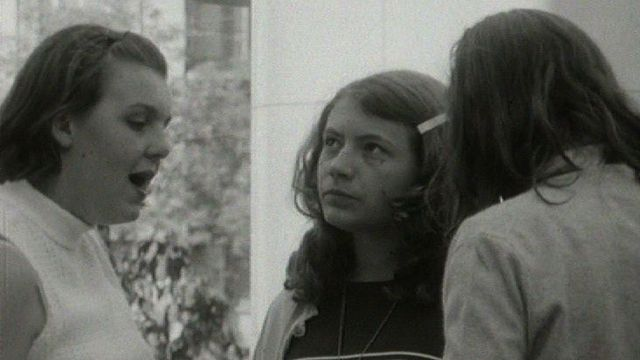 Jeunes filles au pair suisses alémanique, 1967. [RTS]