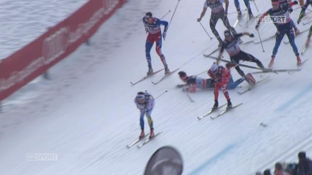 15km - Val Di Fiemme: Cologna chute au milieu de la course et réussit à rattraper le peloton [RTS]