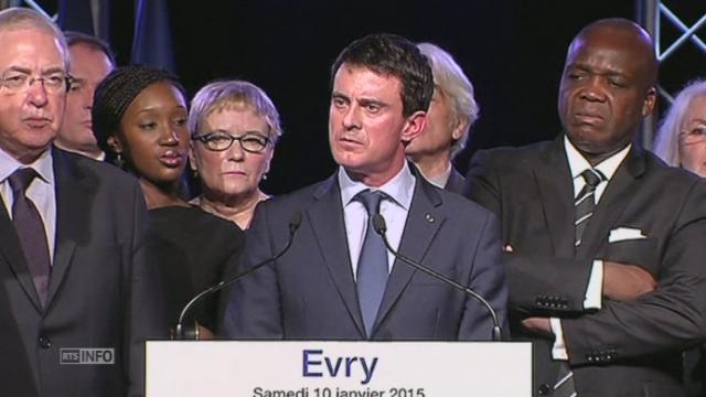 """Valls: """"une guerre contre le terrorisme"""", pas contre l'islam [RTS]"""