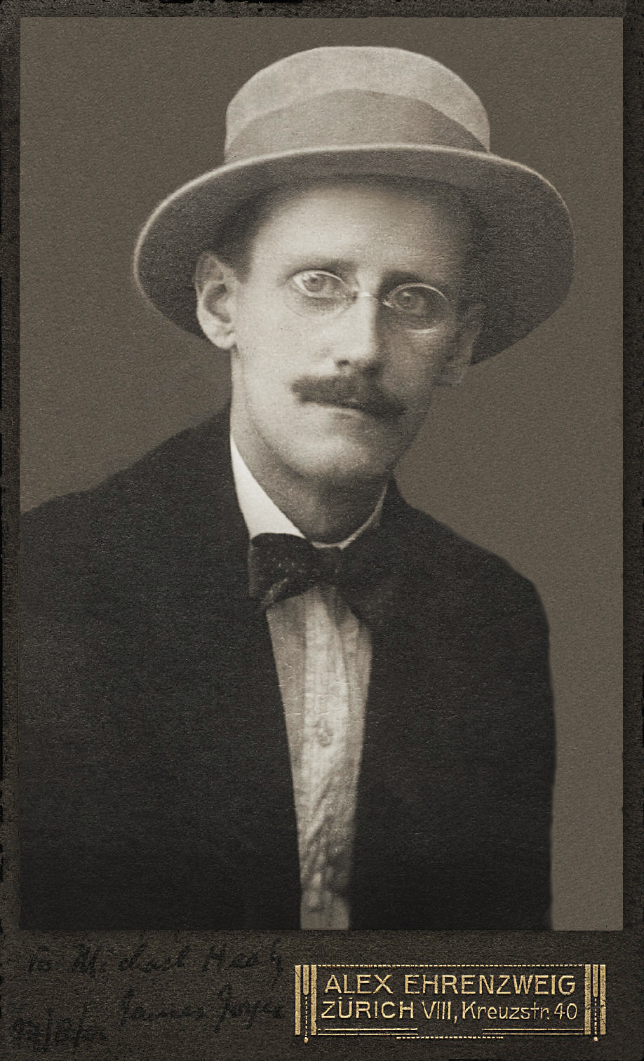 James Joyce en 1915.