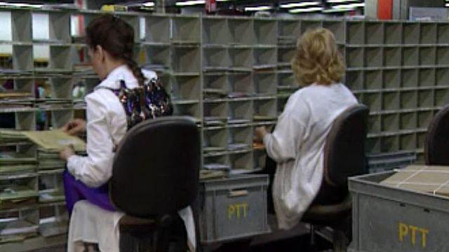 Dorénavant, le courrier sera distribué selon deux vitesses.