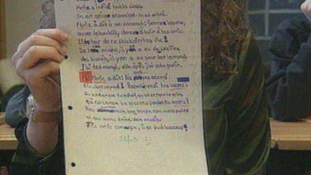 Une dictée en français pour une écolière suisse alémanique, 38 fautes. [RTS]