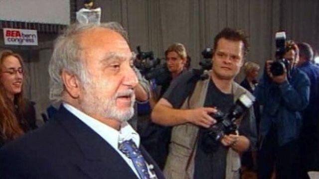 L'industriel Nicolas Hayek veut que la Suisse organise Expo01.