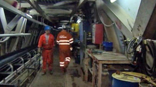 Témoignages d'ouvriers sur le chantier de percement du Gothard.