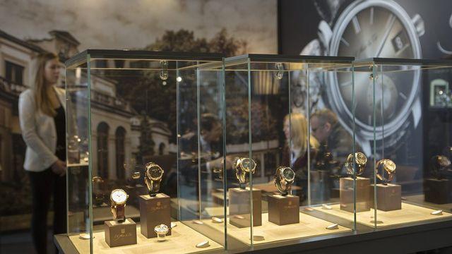 La manufacture horlogère H. Moser & Cie (photo) se dit inquiète de la décision de la BNS d'abolir le taux plancher. [Keystone]