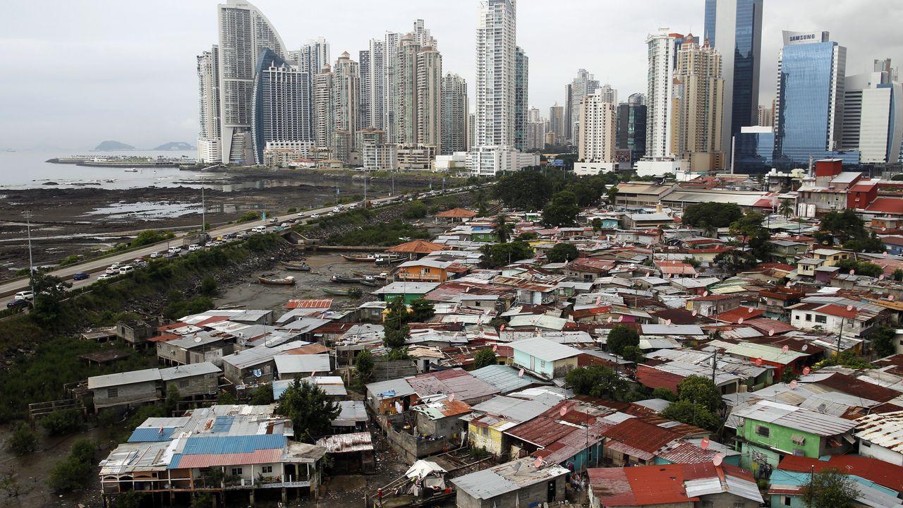 Du paradis fiscal au bidonville de Panama City. [Carlos Jasso - Reuters]