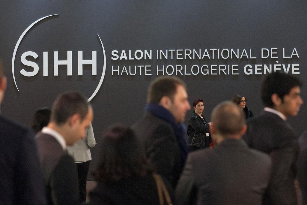 Le salon international de la haute horlogerie s 39 ouvre sur for Salon de la haute horlogerie