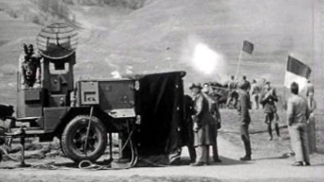 L'armée suisse au comptoir effectue une démonstration.