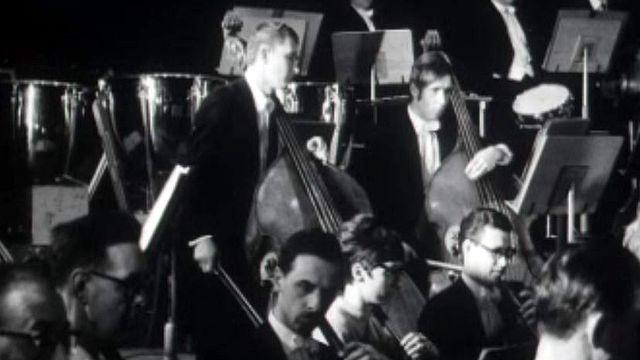 L'orchestre symphonique de La Haye prépare son concert.
