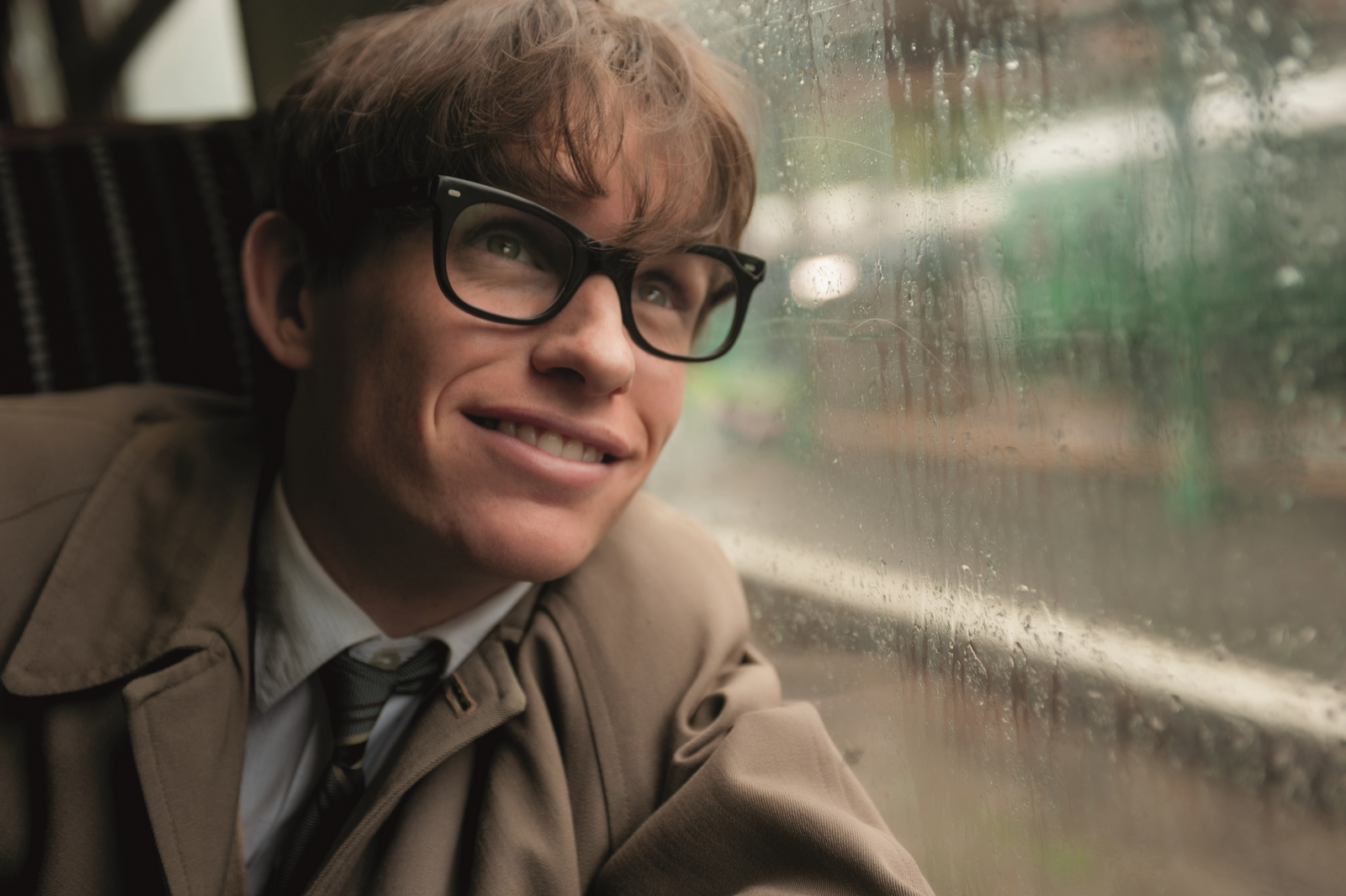 "Eddie Redmayne, qui interprète Stephen Hawking dans ""The theory of everything"", a déjà reçu un Golden Globe pour sa performance."