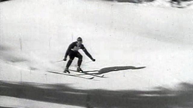 Le skieur autrichien entre dans la légende lors des JO de 1956.