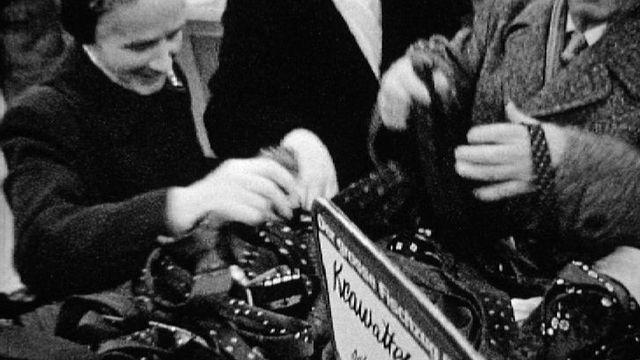 Les soldes à Zurich en 1961. [RTS]